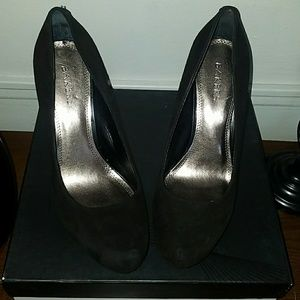 Bakers suede heels new never worn